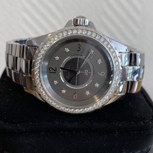 Montre Chanel J12 Diamant
