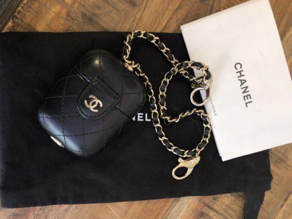 Pochette AirPods Chanel Matelassée
